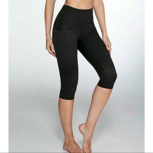 SPANX Smoothing Capri Legging Black ~Size L~
